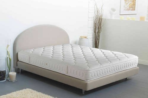 matelas en latex dimensions et prix comprendrechoisir. Black Bedroom Furniture Sets. Home Design Ideas